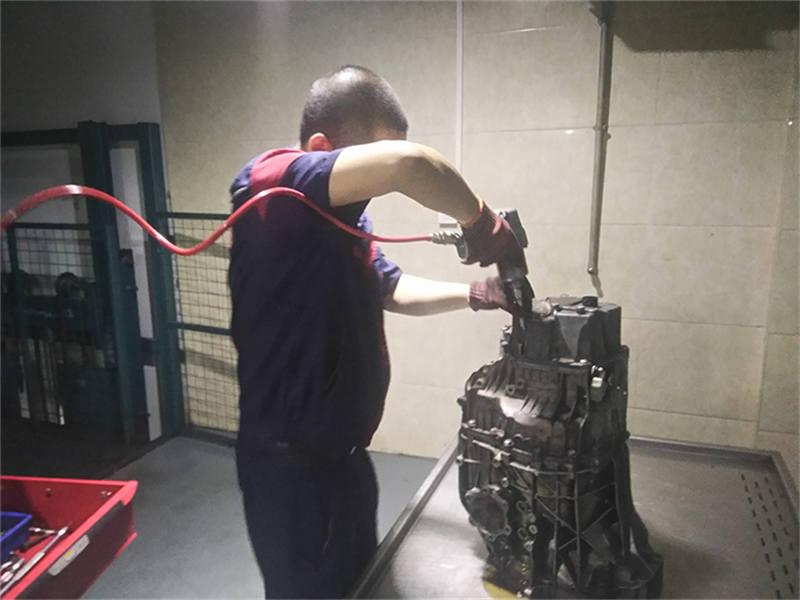 重庆换一套变速箱多少钱精密维修